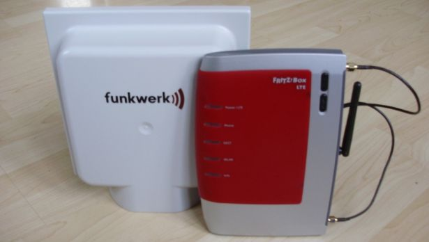 http://maxwireless.de/wp-content/uploads/2011/11/Funkwerk-LTE-800-MiMo-Antenne.jpg