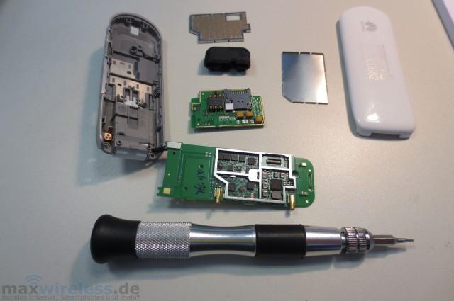 Huawei E3276 aufgeschraubt