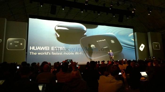 Der E5786 war ein Highlight der Huawei Pressekonferenz auf dem MWC 2014