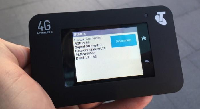 Der Netgear AC 790s zeigt sogar das genutzte Frequenzband an. Foto: beaugil.es