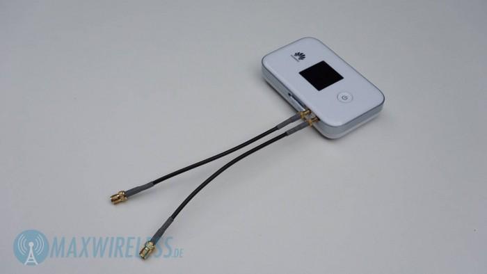 ...an die man (mit Pigtails) eine externe LTE-Antenne anbinden kann.