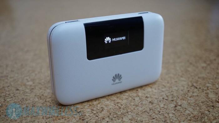 Front des Huawei E5770 mit kleinem Display.