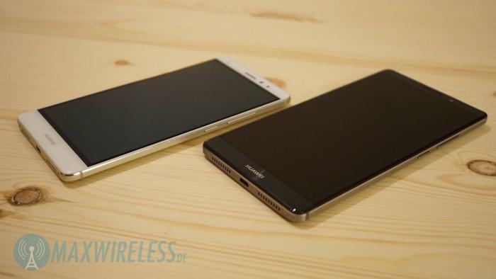 Beide Geräte gibt es in weiß/silber und schwarz/grau