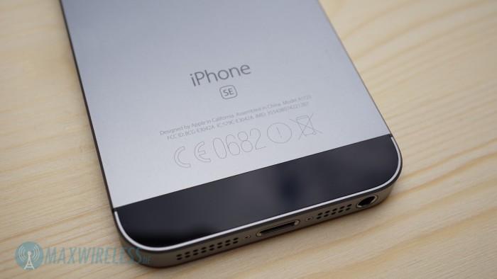 iPhone SE oben