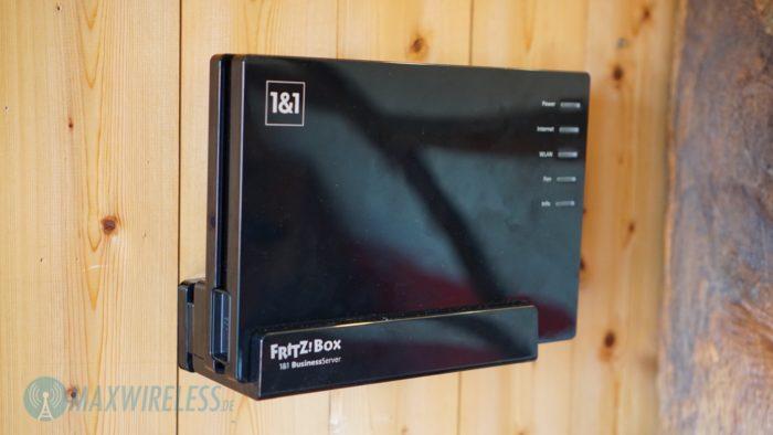 Die FRITZ!Box 7580 kann ganz einfach an der Wand montiert werden.