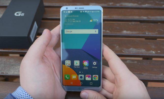 Das LG G6 in der Farbe Platinum