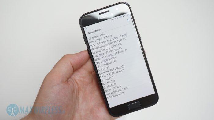 Das Galaxy A3 (2017) bietet auch einen guten Netmonitor, welcher über *#0011# aufrufbar ist.