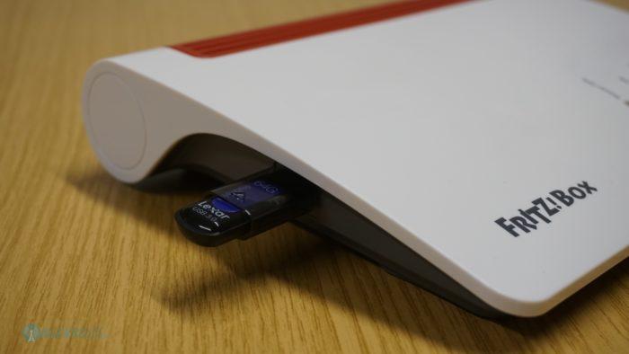 USB Speicherstick an der FRITZ!Box 7590.