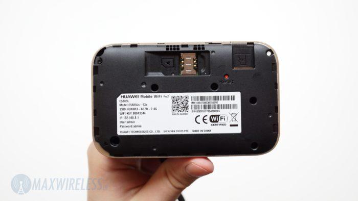 Huawei E5885 mit abgenommener Rückseite.