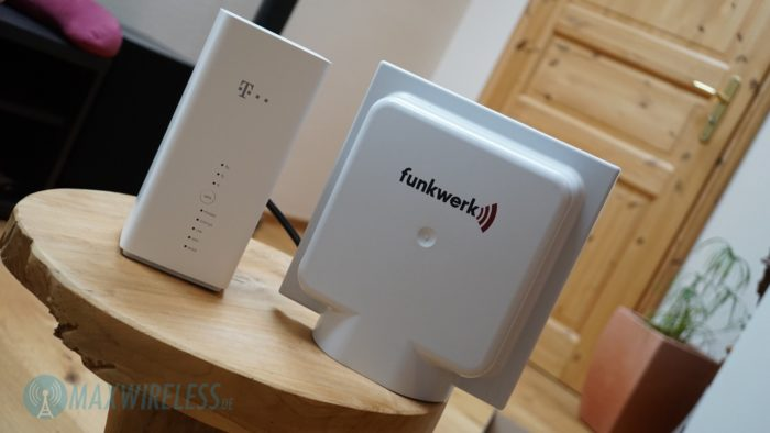 Die Telekom Speedbox LTE IV mit externer LTE Antenne.