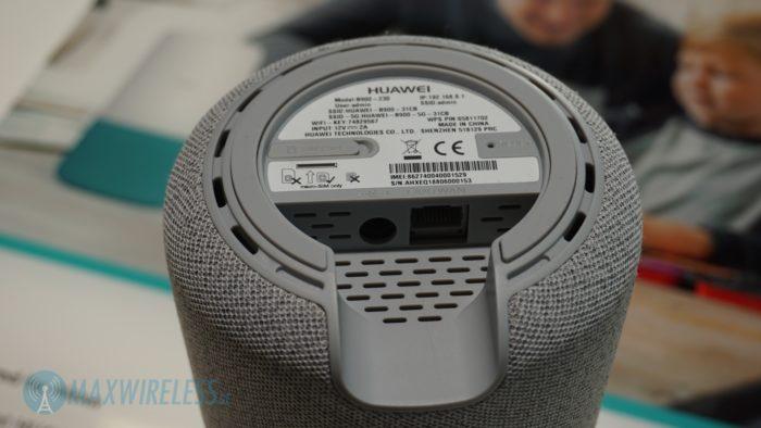 Die Anschlüsse sind beim Huawei B900 AI Cube im Sockel versteckt. Bild: maxwireless.de.