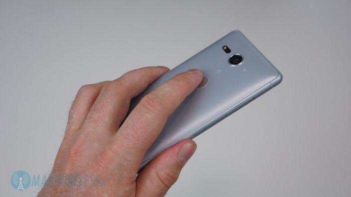 Fingerabdrucksensor am Sony XZ2 compact. Bild: maxwireless.de.