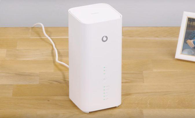 Der Huawei B818-260 LTE-Router als Vodafone GigaCube.
