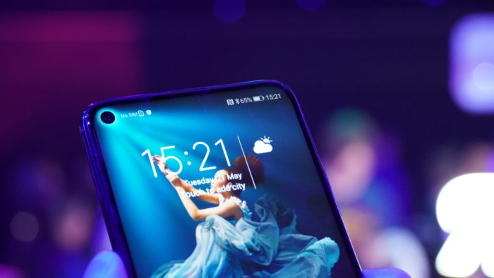 "Honor 20 mit ""Punch Hole Notch"""