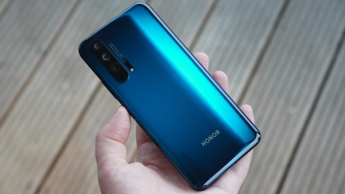 "Honor 20 Pro in ""Phantom Blue""."